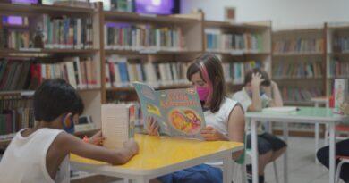 Turno integral de ensino auxilia pais e contribui com o desenvolvimento do aluno.